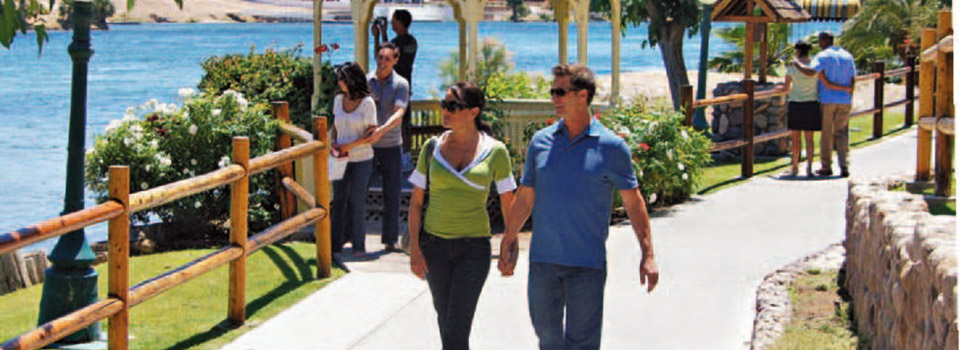 laughlin-couples-walking-slider