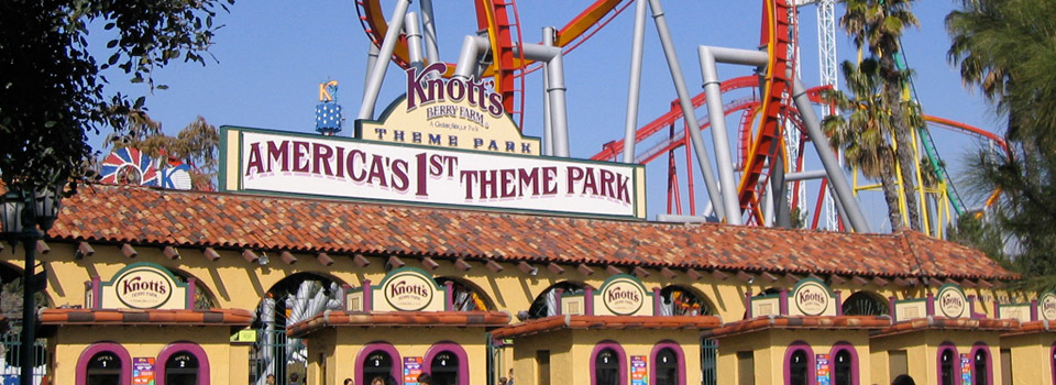 knotts-berry-farm-entrance-gate-slider1