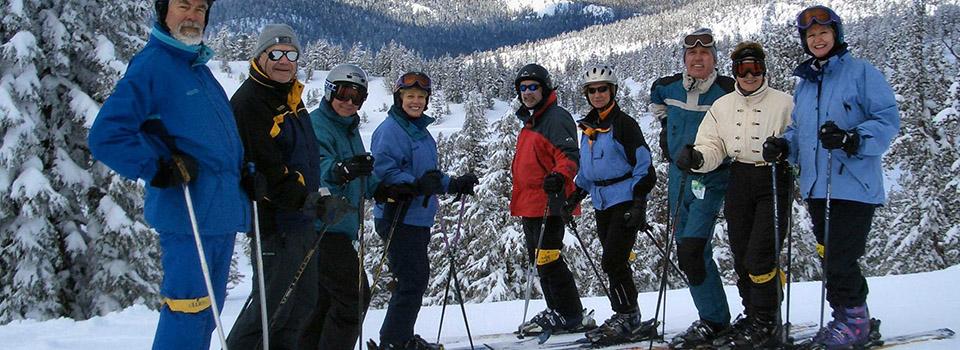 mammoth-skiiers-slider