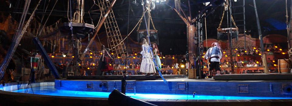 pirates-dinner-adventure-show-light-slider1